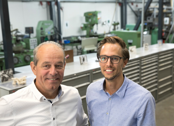 Johan van Lieshout van TSG Group (links) en Maarten van Dijk van Additive Center.