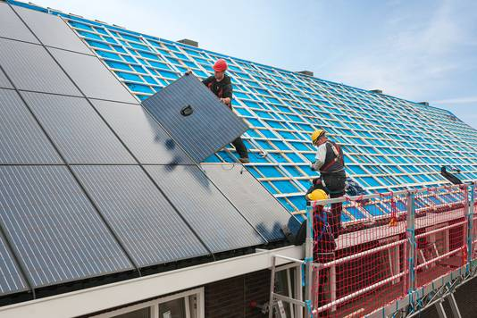 Door VolkerWessels gebouwde pre-fabwoningen zijn voorzien van zonnepanelen.