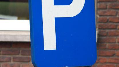 Halfuur parkeren aan kerkplein