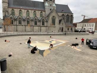 Sint-Poppoplein is canvas voor mysterieuze krijttekening