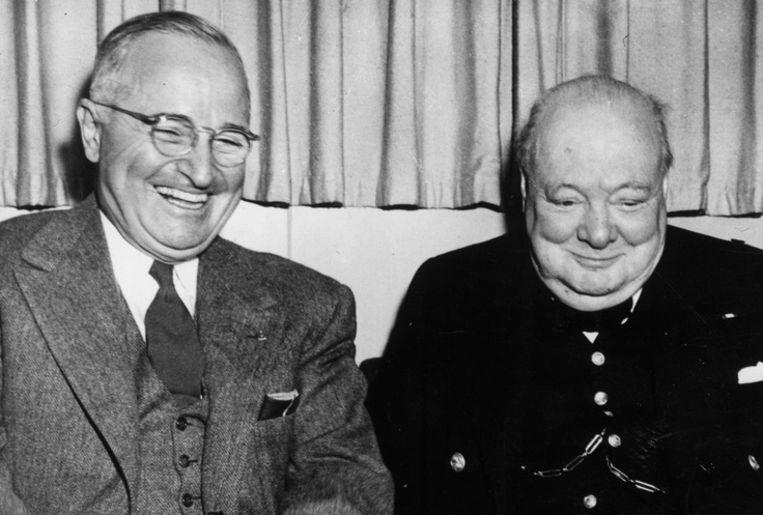 Curchill in 1945 met de Amerikaanse president Truman (l.) Beeld Getty