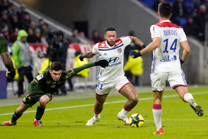 Memphis Depay in actie tegen Stade Reims.