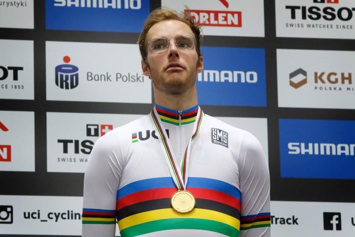 Jan-Willem van Schip bij de huldiging na zijn wereldtitel op de puntenkoers.