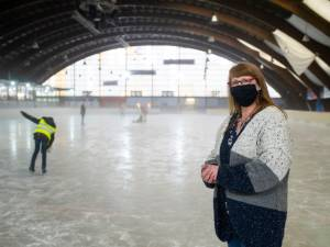 """Faillissement dreigt voor schaatsbaan Antarctica: """"Als we niet snel mogen openen, is het hier eind januari gedaan"""""""