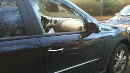 Ingebroken in acht auto's op oudejaarsnacht