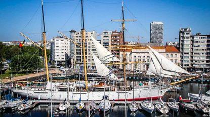 Zeilschip Mercator zet de zeilen bij voor Oostende voor Anker