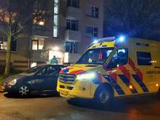 Bewoner naar ziekenhuis na woningoverval in Hengelo; politie zoekt twee verdachten