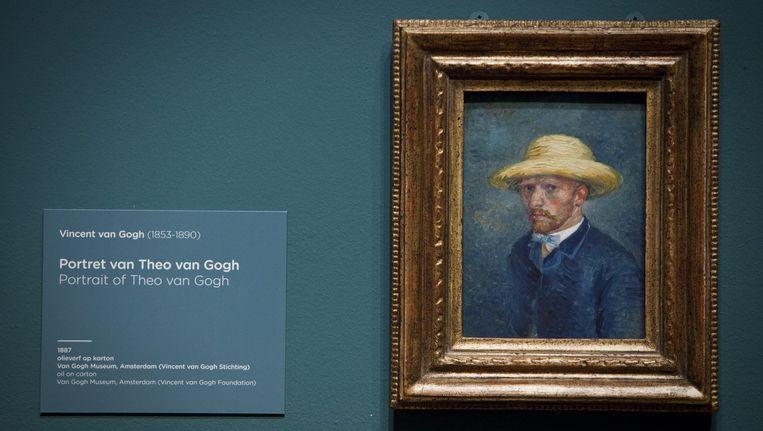 Een portret van de kunstenaar in het Van Gogh Museum. Beeld null