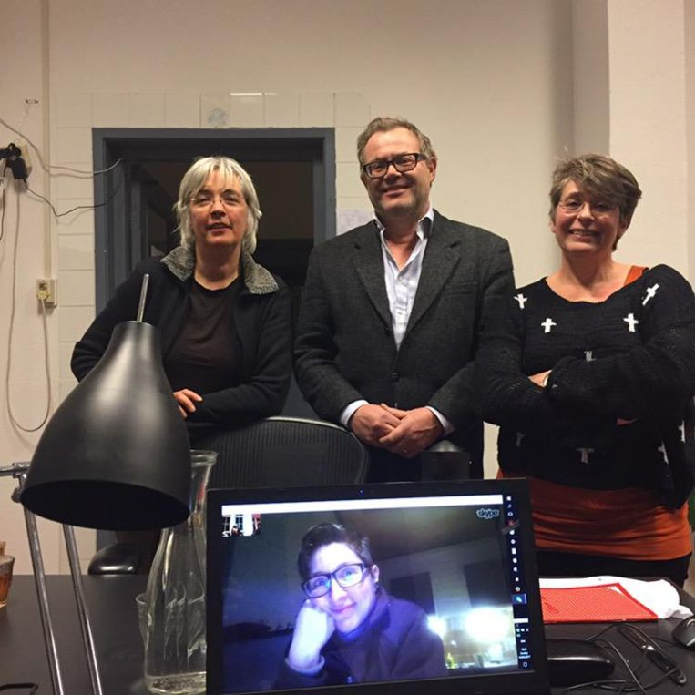 De leden van Operatie Libero. V.l.n.r.: Eltine, Olaf en Liesbeth. Via skype: Ester. Beeld null