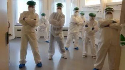 Af en toe een ludiek moment om de moed erin te houden: verpleegkundigen dansen Moussier Tombola
