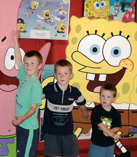 Plan voor woningen achter TV Toys op losse schroeven