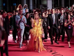 Jennifer Lopez violemment insultée sur le tapis rouge