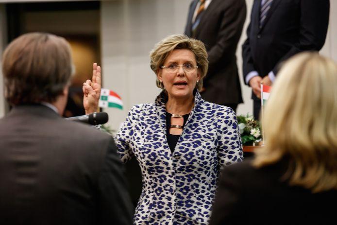 Jobke Vonk-Vedder bij haar installatie als de nieuwe burgemeester van de gemeente Halderberge.