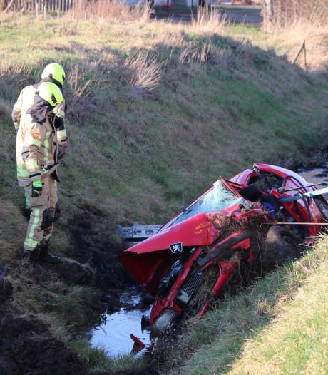 Automobilist bekneld na ongeluk Zierikzee