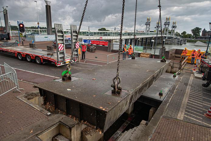 Begin september begon de vervanging van de klepkeringen in Kampen, zaterdag is het hele project klaar.