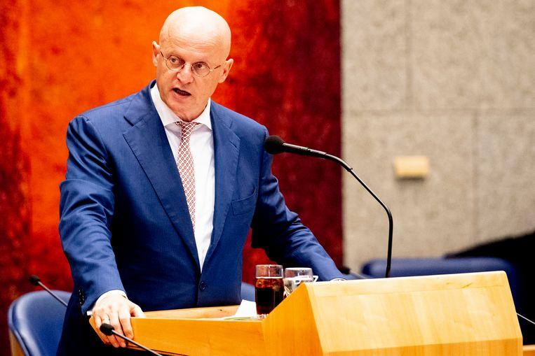 Minister Ferd Grapperhaus van justitie en Veiligheid kan de Tweede Kamer nog geen helderheid geven over het falen van noodnummer 112. Beeld ANP