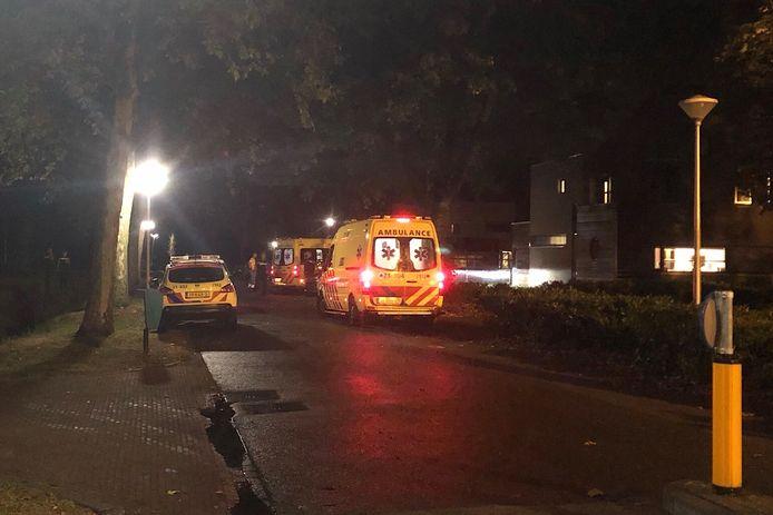 De jongeren worden met spoed naar het ziekenhuis gebracht nadat ze vermoedelijk xtc hadden gebruikt.