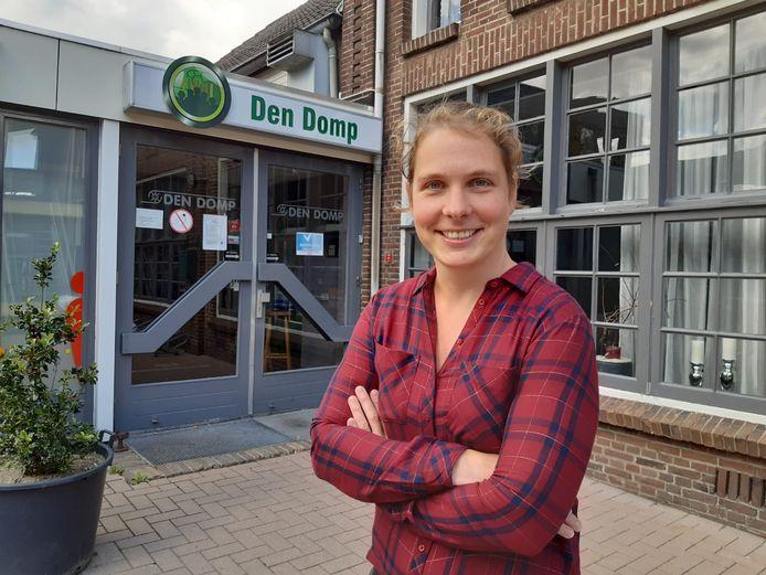 Inge van Beers, lijsttrekker Algemeen Belang, voor het gemeenschapshuis van Haaren