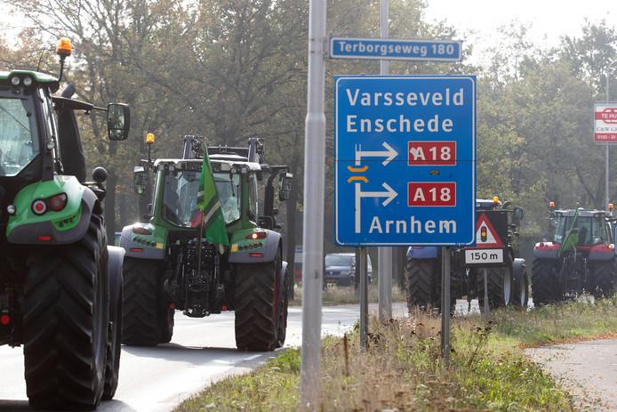 Met trekkers vertrekkend vanuit Doetinchem in de richting van Arnhem.