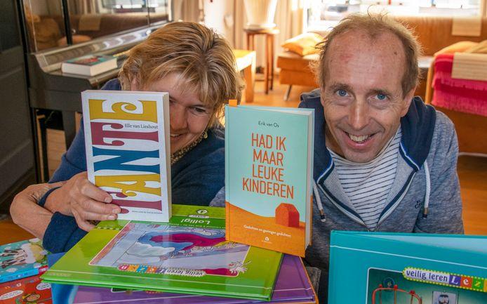 schrijvers echtpaar  Elle van Lieshout en Erik van Os.