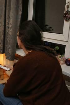 Stephanie (30) kon jaren geen maandverband en tampons kopen: 'Ik droeg het incontinentie-ondergoed van mijn oma'