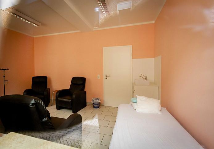 Een van de behandelkamers van Klaus Ross