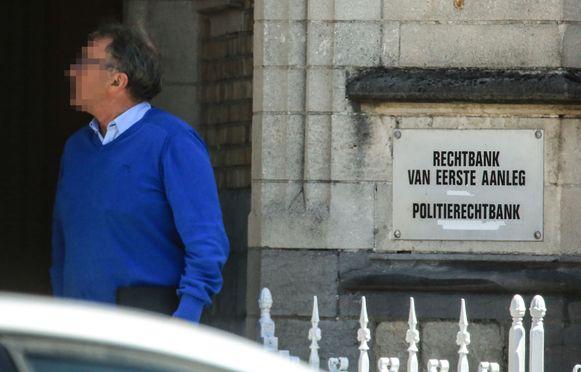 Ieper Veearts José Landuyt voor de rechter  voor verboden middelen.