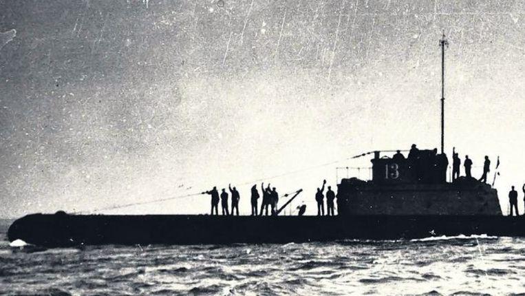 Een ongedateerde foto van de Hr. Ms. O-13 op zee. In 1940 raakte de onderzeeboot vermist en hij werd tot nu toe niet teruggevonden Beeld Collectie familie Capelle-Van Elswijk