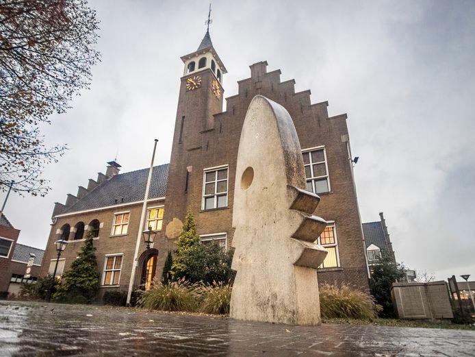 Hoofdkantoor welzijnsinstelling aan-z is gevestigd in het voormalig stadhuis van Axel.