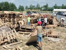 Stichting Bouwdorp Culemborg ontvangt massaal pallets na brandstichting