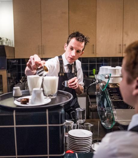 De man van Doppio gaat solo: 'Arnhem wist niet hoe je cappuccino schreef'
