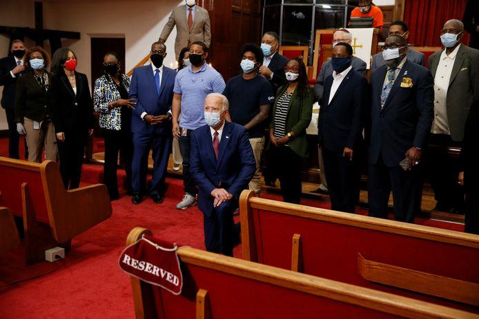 Joe Biden gisteren op een bijeenkomst met Afro-Amerikaanse leiders in een kerk in Wilmington, Delaware.