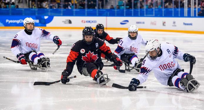 IJssleehockyers van Noorwegen en Canada.