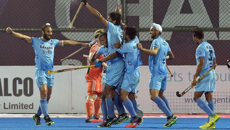 India viert een treffer van Sardar Singh. Beeld afp