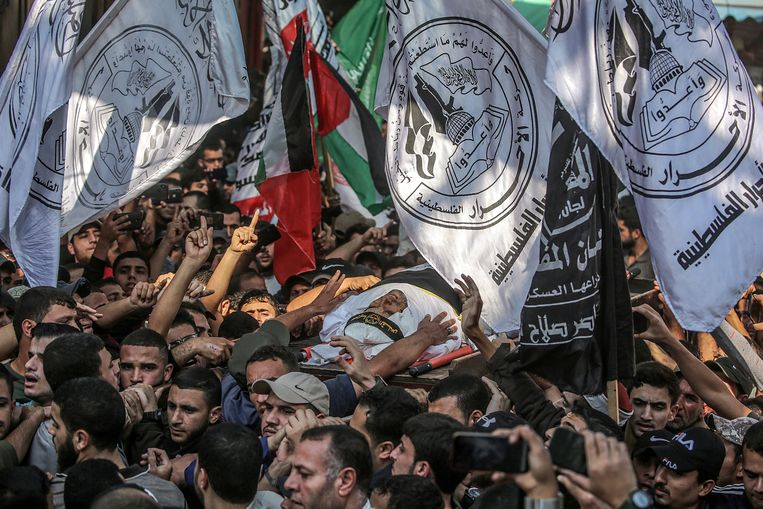 De begrafenis in Gaza van de commandant van de Islamische Jihad, Bahaa Abu al-Atta. Beeld EPA