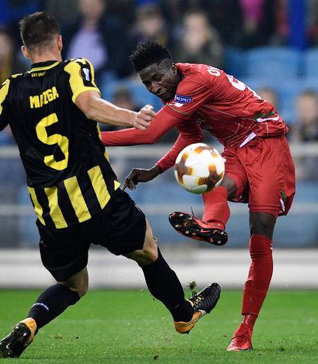 Ballenjongen bij Vitesse ontkent racistische opmerking