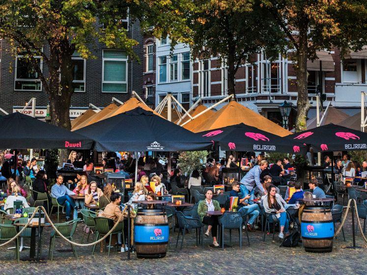 LEES TERUG| Burgemeester Jan van Zanen reageert op maatregelen: 'We moeten wat'