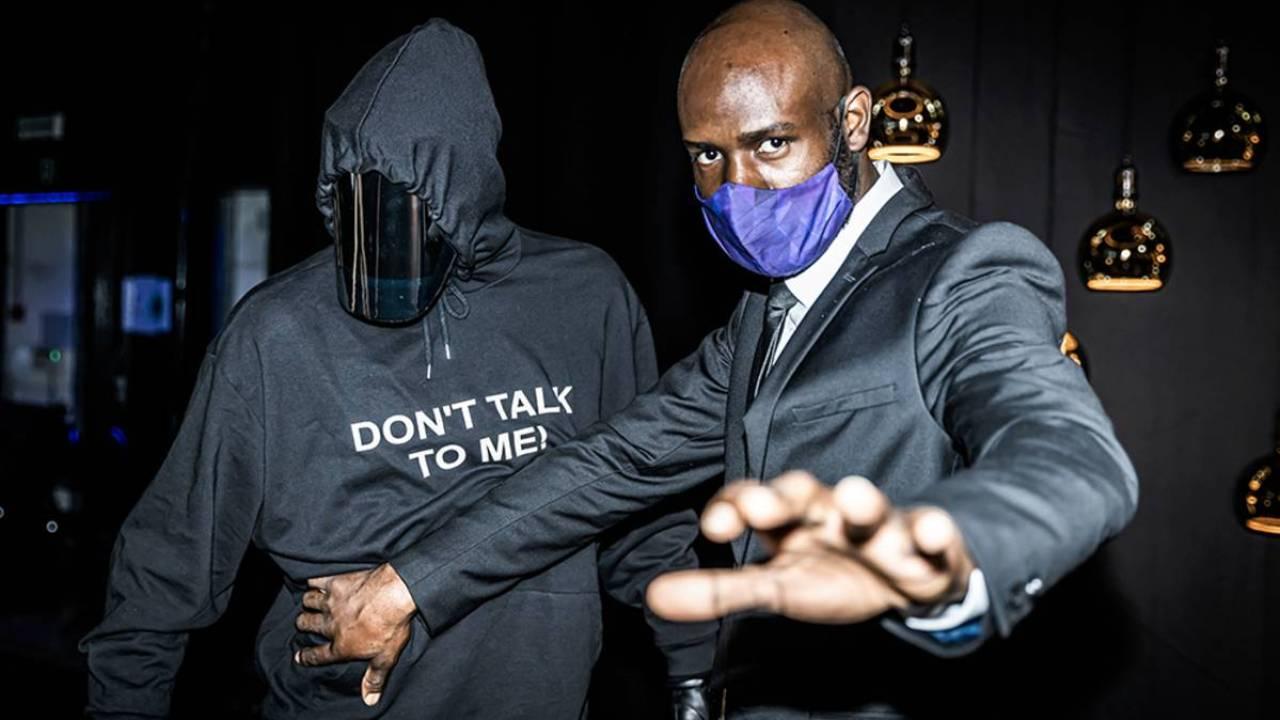 Koop nu jouw eigen don't talk to me-trui in onze webshop