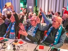 Senioren vieren kerst bij PEC Zwolle... op 4 december, maar dat deert niemand