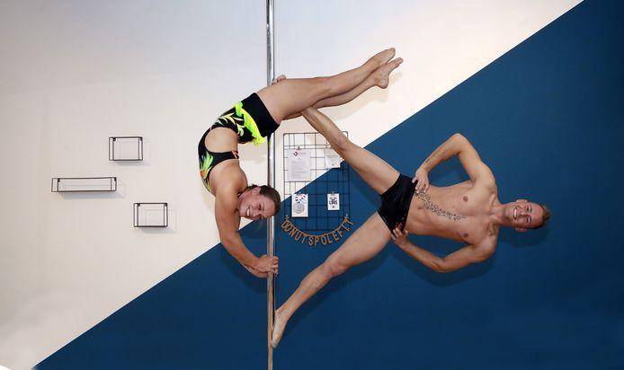 Lisette Beekhuis en Nick La Gije uit Dordrecht deden mee aan het WK paalsport.