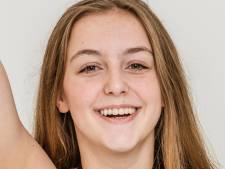 Jessica (14) doet aan paaldansen om geld op te halen voor dure behandeling van zieke tante