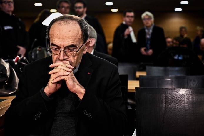 Aartsbisschop van Lyon, kardinaal Philippe Barbarin, kreeg zes maanden voorwaardelijk opgelegd