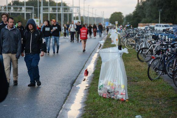 De vuilnisbakken langs de kant van de weg hebben dus duidelijk hun nut bewezen.