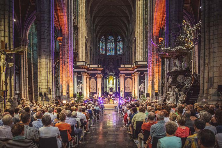 Die Verdammte Spielerei in actie in de kathedraal, voor de zomer-versie van Pakske Klassiek