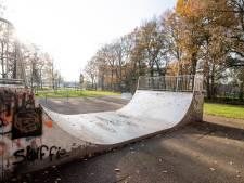 Wat spoken die opgepakte jongeren in de Schelfhorst allemaal uit? 'Een houten bank in de brand steken, is niet normaal'