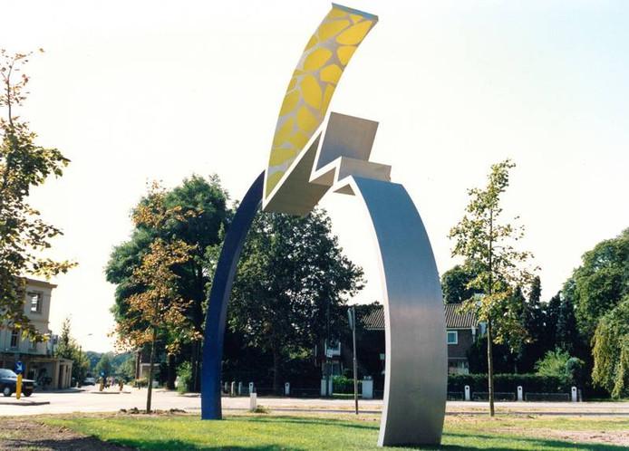 Kunstwerk Tension een paar jaar na de onthulling in Driebergen.