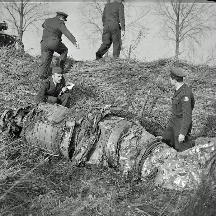 Neergestorte straaljager in Breugel in 1961