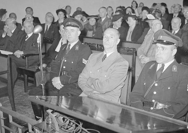 SS-generaal Albin Rauter (midden) tijdens zijn proces in Den Haag na de Tweede Wereldoorlog. Beeld ANP