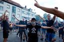 Fans van Willem II in het Luxemburgse Differdange, waar de Tilburgse club het opneemt tegen FC Progrès Niederkorn.