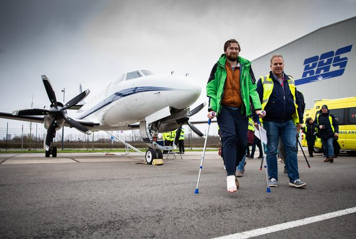 Eerste en gelijk ook de laatste gipsvlucht landen vanmiddag in Rotterdam. Marco de Noord uit Rotterdam